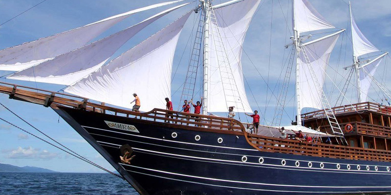 The 52 metre luxury phinisi liveaboard, Amira, in Indonesian waters