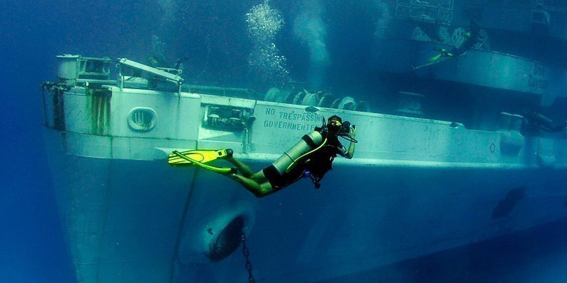 wreck diving holidays dive worldwide