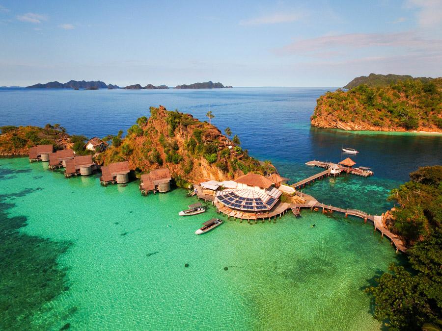 Dive raja ampat indonesia diving holiday asia trip idea dive worldwide - Raja ampat dive resort ...