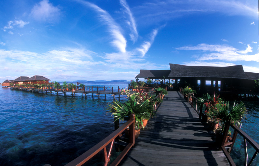 Kapalai dive resort holiday accommodation in malaysia - Kapalai dive resort price ...