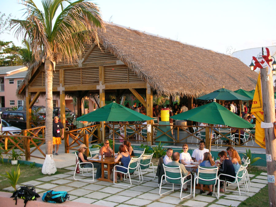 Restraunt Night Dunk Island: Sunset House Holiday Accommodation In Cayman Islands