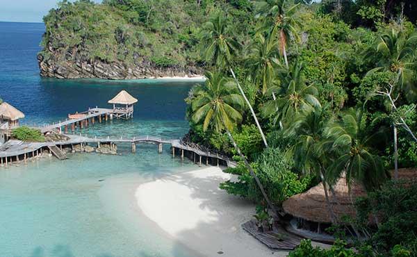 Raja ampat dive location in indonesia asia dive worldwide - Dive resort raja ampat ...